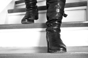 Escaliers, Bottes, Bottes En Cuir, Aller, Vers Le Bas